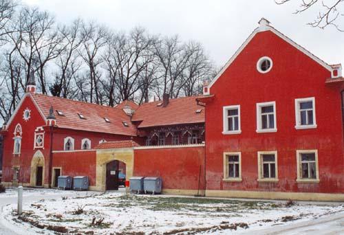 Stavební opravy objektu Domova důchodců ve Všestudech – po povodni 2002